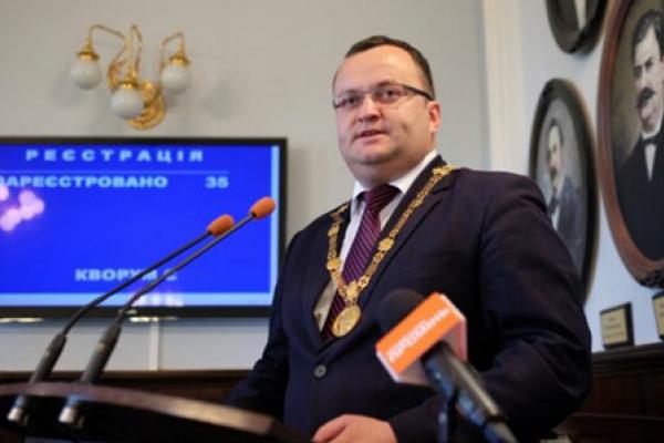 Мер Чернівців Олексій Каспрук отримав грошову компенсацію у розмірі чверть мільйона