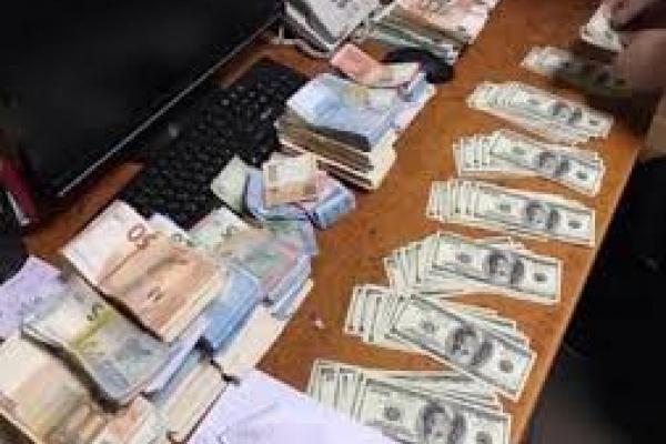 На Буковині шахраї продавали людям європаспорти за 150 євро