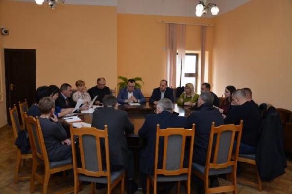 У Чернівцях з 4 до 16 лютого оголошено карантин у всіх загальноосвітніх навчальних закладах міста