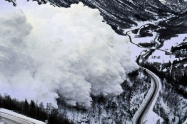 Рятувальники попереджають про небезпеку в горах через снігопади