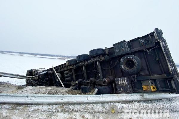 На автошляхах Чернівецької області ускладнень у русі транспорту немає