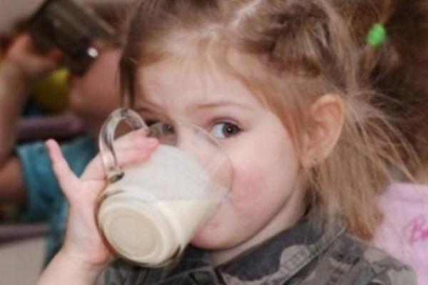 Як годують дітей переселенців у Чернівецьких школах (відео)