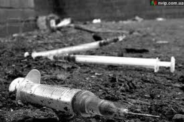 Жовтневий парк у Чернівцях перетворюється на наркопритон?