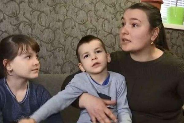 На Буковині селяни цькують родину, яка приїхала з Китаю