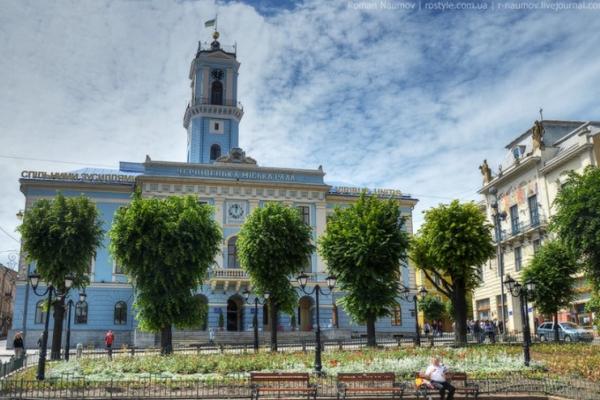 У Чернівцях міська рада незаконно привласнила приміщення вартістю 50 мільйонів гривень?