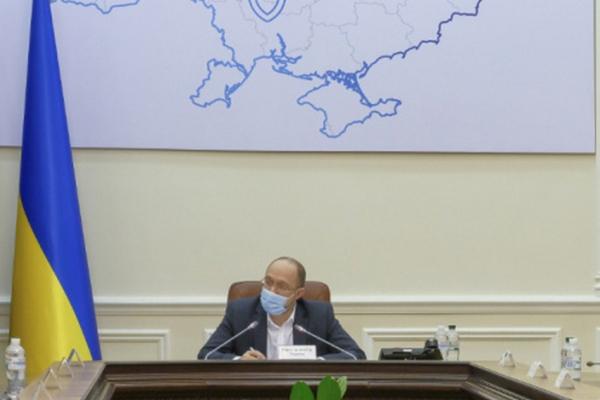 Україна не може не працювати півроку, - Прем'єр міністр Шмигаль розповів про карантин