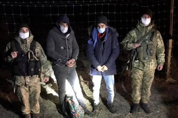 Буковинські прикордонники затримали двох єгиптян