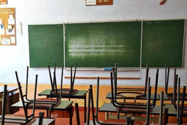 Школярі Чернівецької області дистанційно завершать навчальний рік