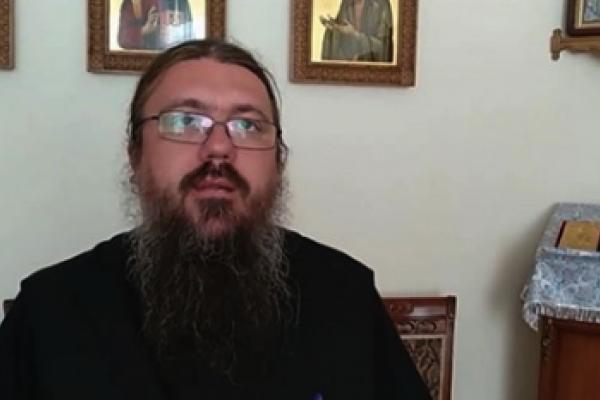 Хворий на COVID-19 архімандрит РПЦвУ увірвався до редакції і кашляв на журналістів