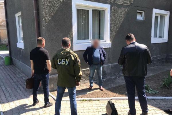 СБУ затримала депутата міськради на хабарі