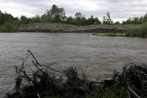 Дамба на Буковині може зруйнуватися через дощі
