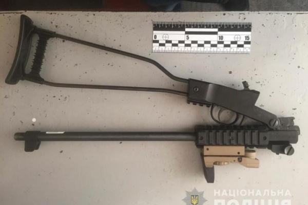 Буковинець зберігав вдома нелегальну зброю