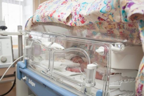 У Чернівцях Covid-19 підтвердили у новонародженого немовляти. Малюк у реанімації
