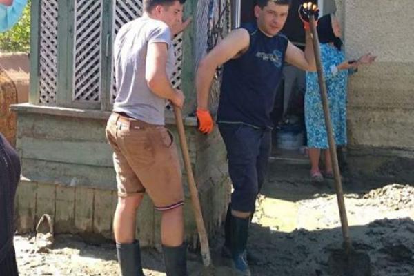 Через підтоплені криниці мешканці кількох районів Буковини потребують якісного водопостачання