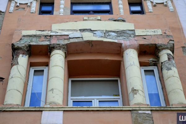 Замість фасадів - боротьба з COVID-19: карантин вніс свої корективи у ремонт чернівецьких будівель