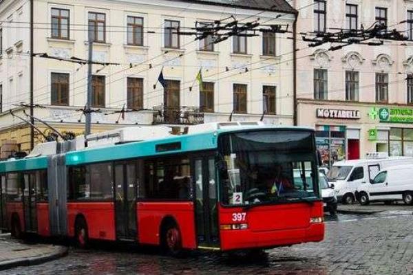 Від завтра у Чернівцях своє курсування відновить тролейбус №2