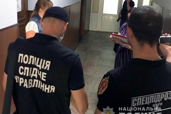 Чернівцях затримали директорку приватної проектної організації