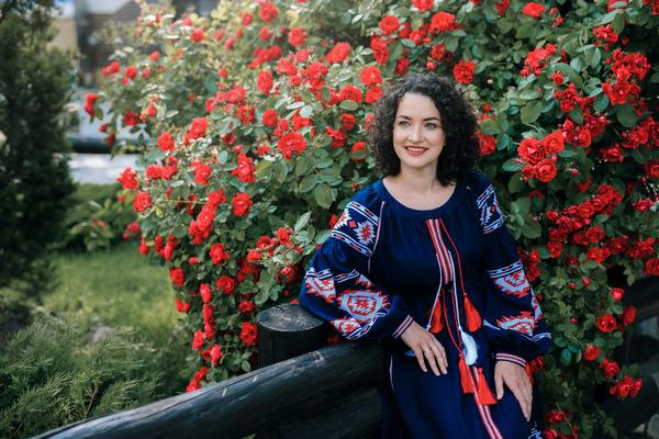 До Дня Незалежності України відома піаністка Юлія Божик записала Гімн України