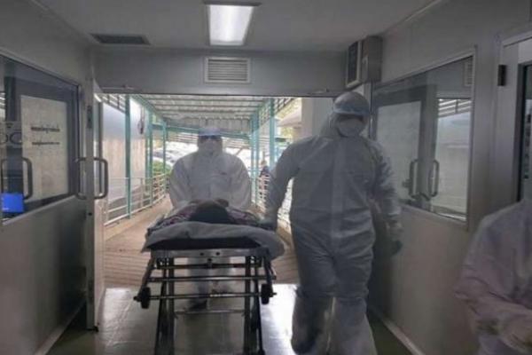 Госпітальні бази заповнені на 70% - у Чернівецькій області розгорнуть додаткові ліжка для хворих на COVID