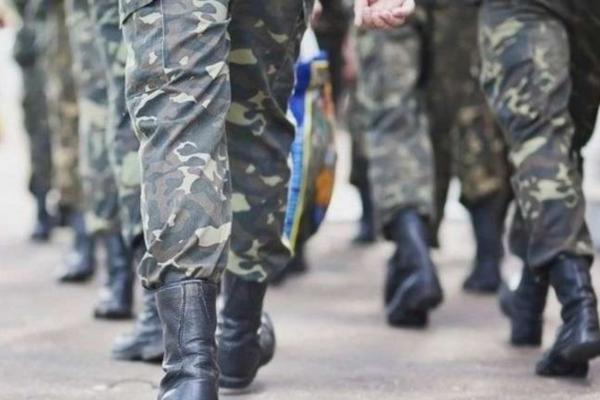 У Чернівцях військовослужбовець їздив містом у стані наркотичного сп'яніння