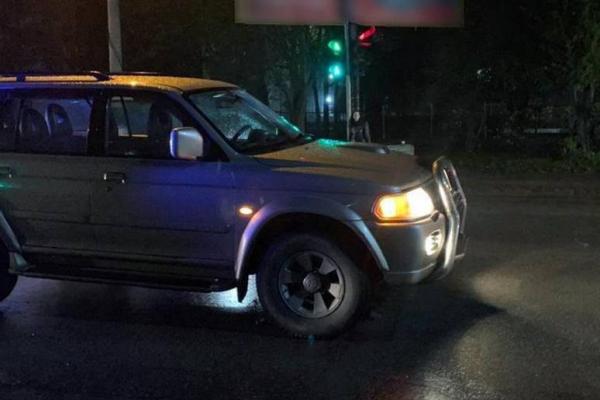 У Чернівцях водій позашляховика збив неровнолітніх дівчаток