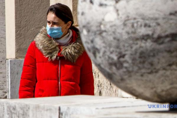 Заробітчанство в умовах пандемії: чи повернуться українці на Різдвяні свята з-за кордону?