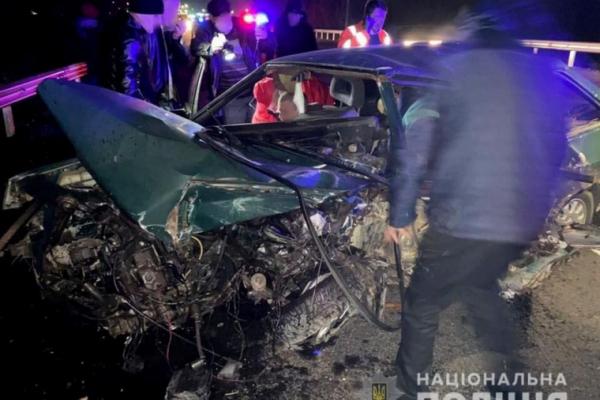 Смертельна ДТП на Буковині: внаслідок аварії загинула людина, двоє травмованих