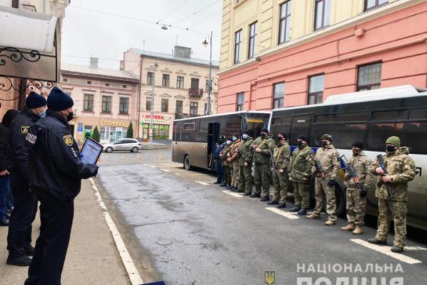 Буковинські поліцейські повернулися із зони проведення ООС