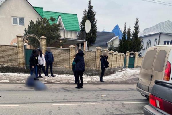 У Чернівецькій області чоловіка, який переходив дорогу, збили на смерть