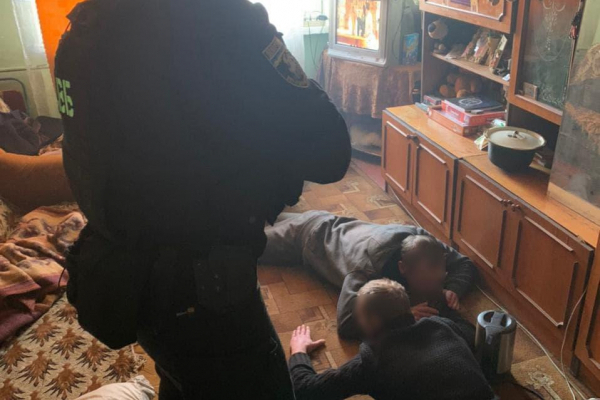 Наркоділків, яких днями затримали буковинські правоохоронці, суд взяв під варту