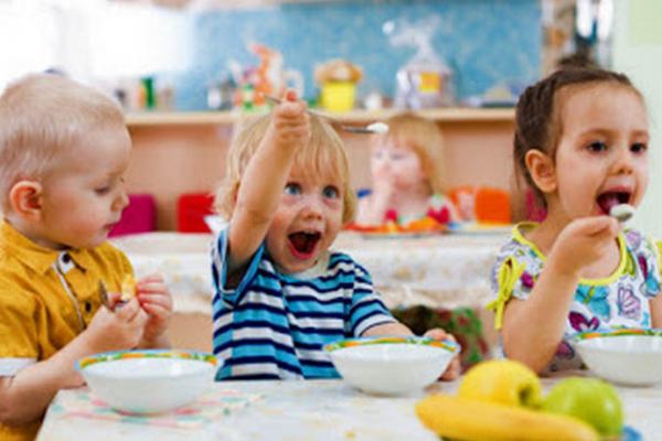 Відтепер у чернівецьких дошкільних закладах сніданки будуть дорожчими