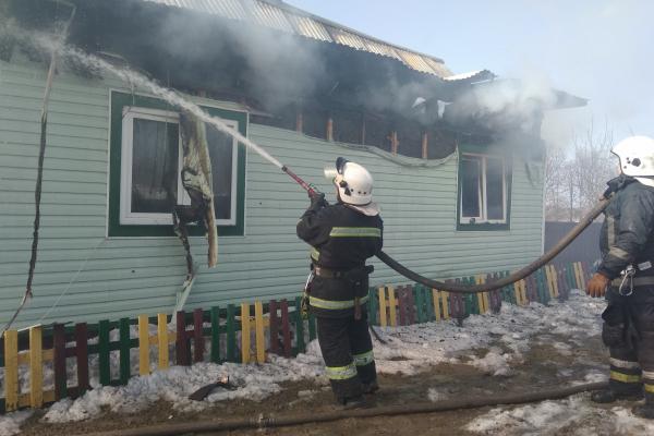 У селі на Сторожинеччині через замкнення вщент згорів житловий будинок