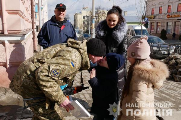 Буковинські поліцейські повернулися із зони проведення операції Об'єднаних сил