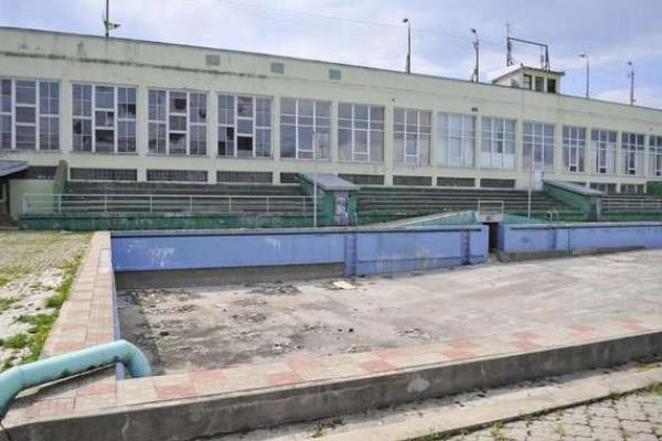 Заплановано реконструкцію спортивної арени та плавального басейну у Чернівцях