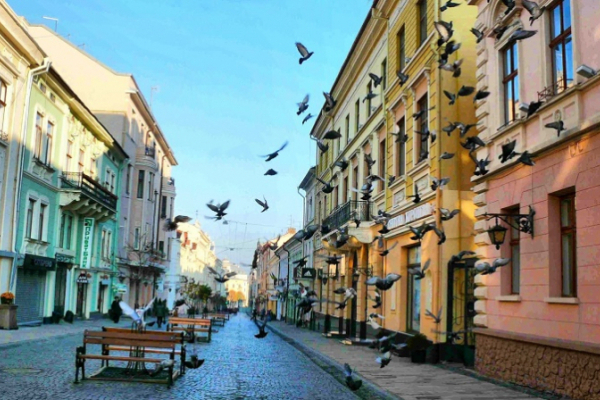 СБУ закликає городян та гостей міста бути пильними та звертати особливу увагу на безпеку під час святкування Дня Чернівців