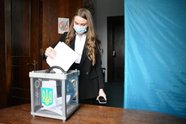 У Чернівцях обрано молодіжний парламент, який може стати основою для міськради