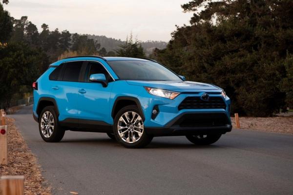 Буковинці з початку року придбали 150 нових автівок на 5 мільйонів доларів