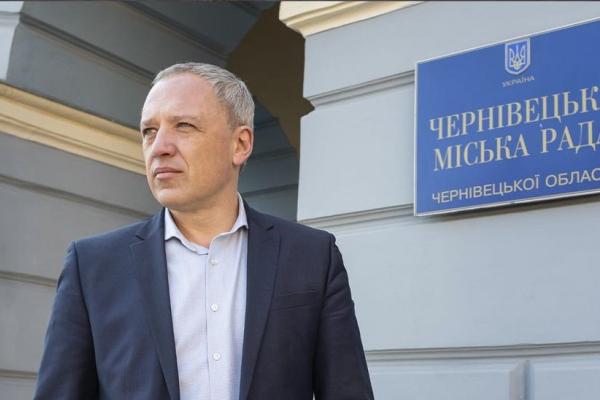Роман Клічук отримує вдвічі менше за мера Тернополя. Скільки заробив Чернівецький міський голова за пів року