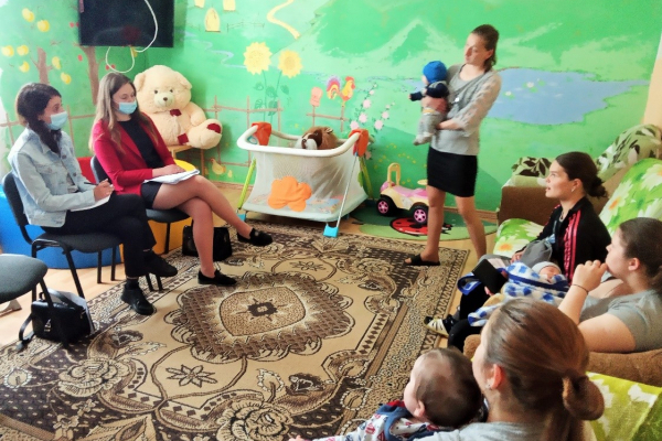 У Чернівцях надають правову допомогу матерям із непростою долею