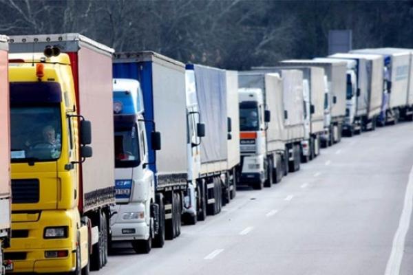 Сезонне обмеження руху вантажівок – де на Буковині розташовані стоянки для великогабаритного транспорту
