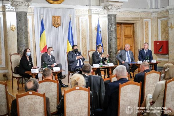 Румуни Буковини обговорили проблеми нацменшин із дипломатами