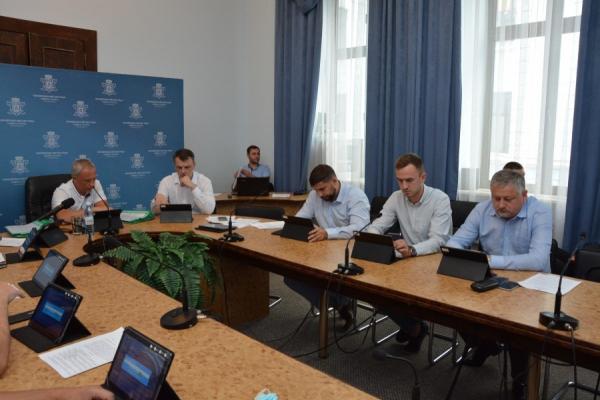 Затвердили новий зразок договору на перевезення: за що проголосували на засіданні виконкому