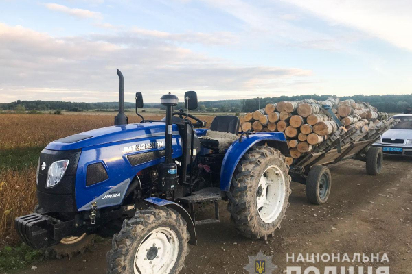 Крадуть ліс, незаконно видобувають гравій: поліція засвідчила нові порушення на Буковині