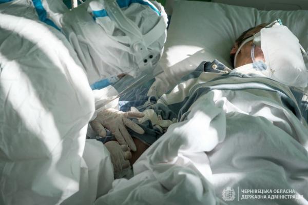 У реанімації Сторожинецької лікарні лежать